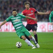 Claudio Pizarro Dribbling
